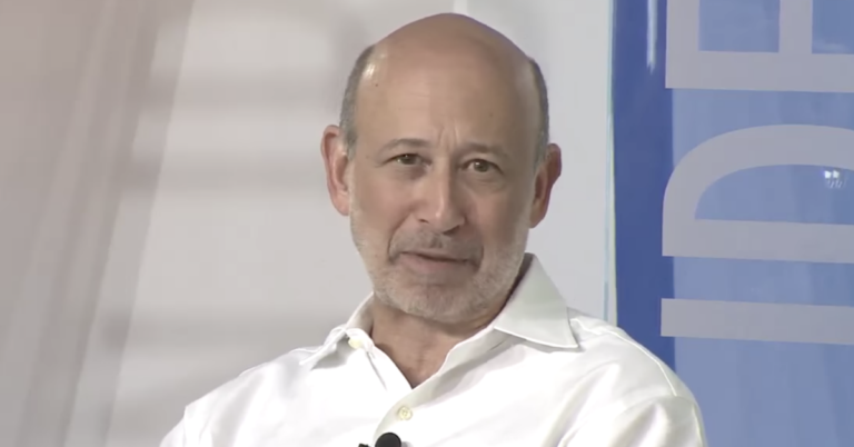 Ex-Goldman CEO Blankfein Says Governments Would Likely Try to Shut Down Bitcoin if It Becomes Too Successful
