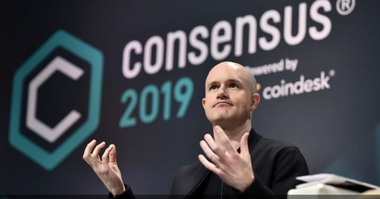Coinbase Trades at a $77B Valuation as BTC Heads Towards a $1T Market Cap