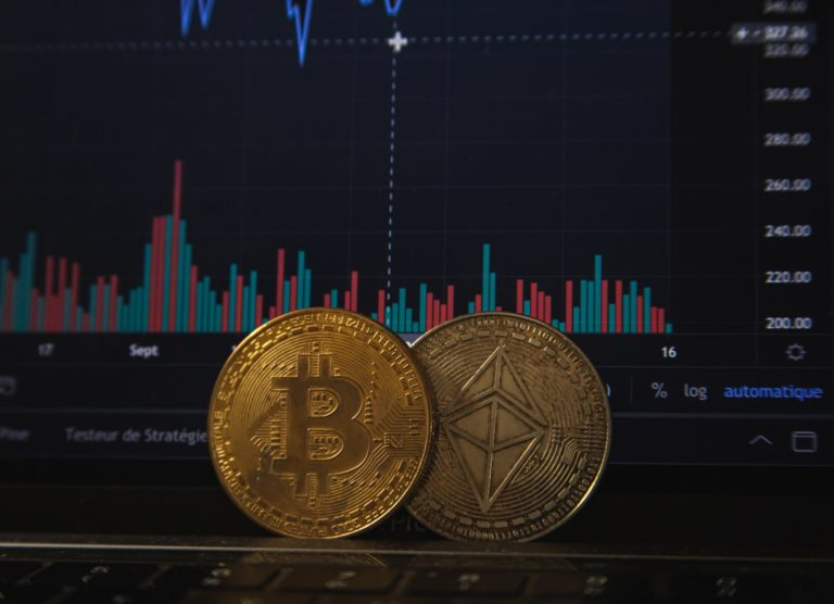 Bitcoin Bounces as $6.4 B in Options Expire, Institutional Buying Slows Down: What's Next?